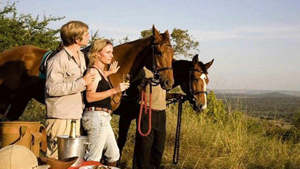 Horseback-riding safaris in Uganda - Safari Holidays